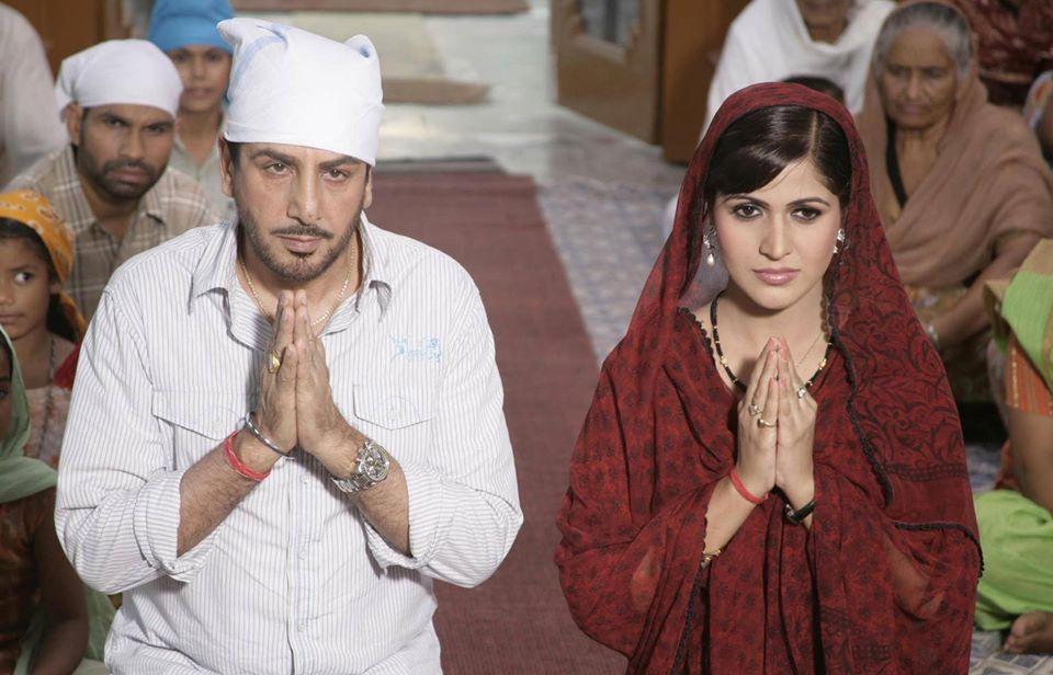 Gurdas Maan and Jonita Doda in Chak Jawana (2010)