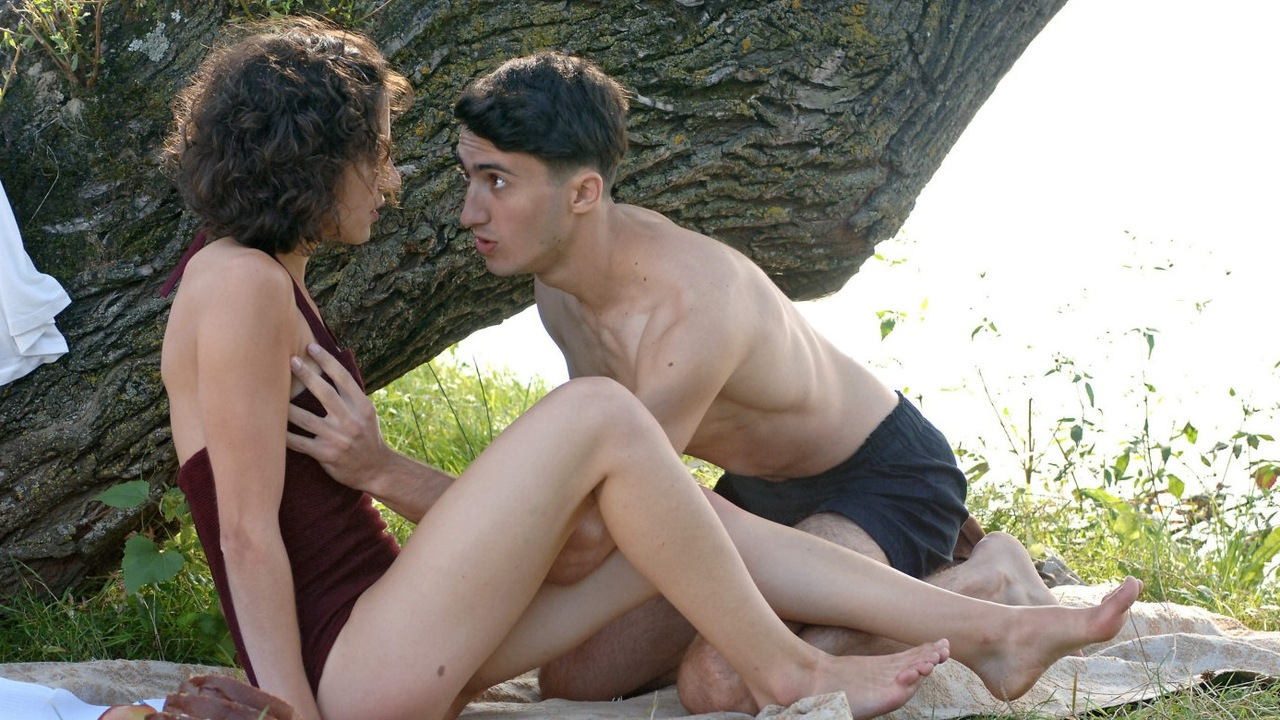 Ioana Iacob and Axel Moustache in Der geköpfte Hahn (2007)