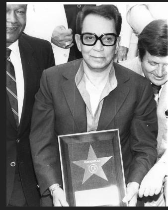 Cantinflas at an event for Gran Hotel (1944)