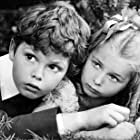 Dickie Moore and Virginia Weidler in Peter Ibbetson (1935)