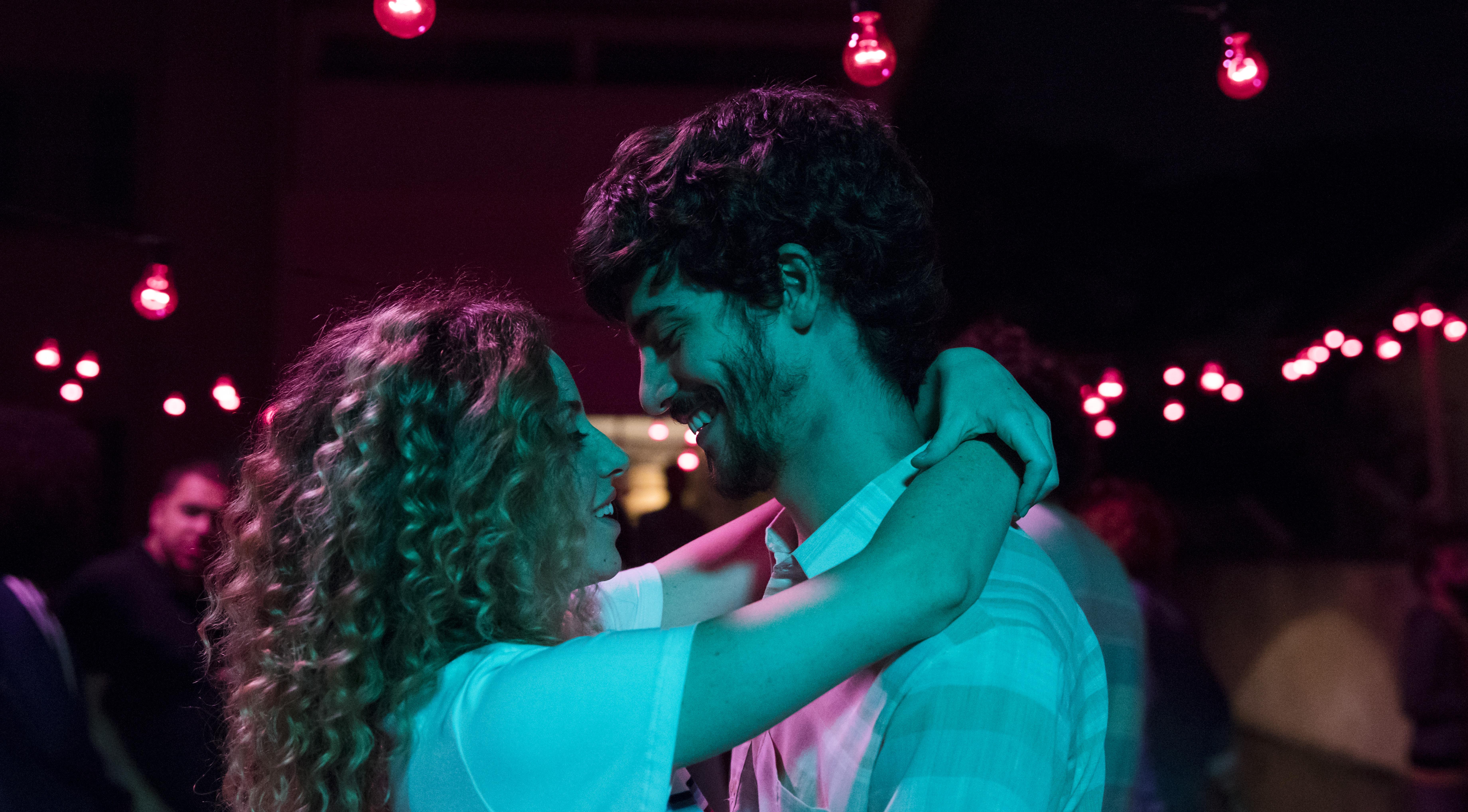 Mayara Constantino and Caio Horowicz in Música para Morrer de Amor (2019)
