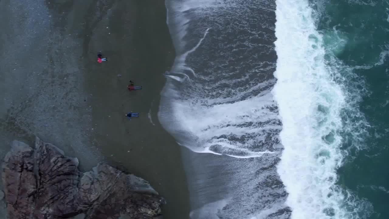 Imagens do The Crossing Dublado Dublado Online