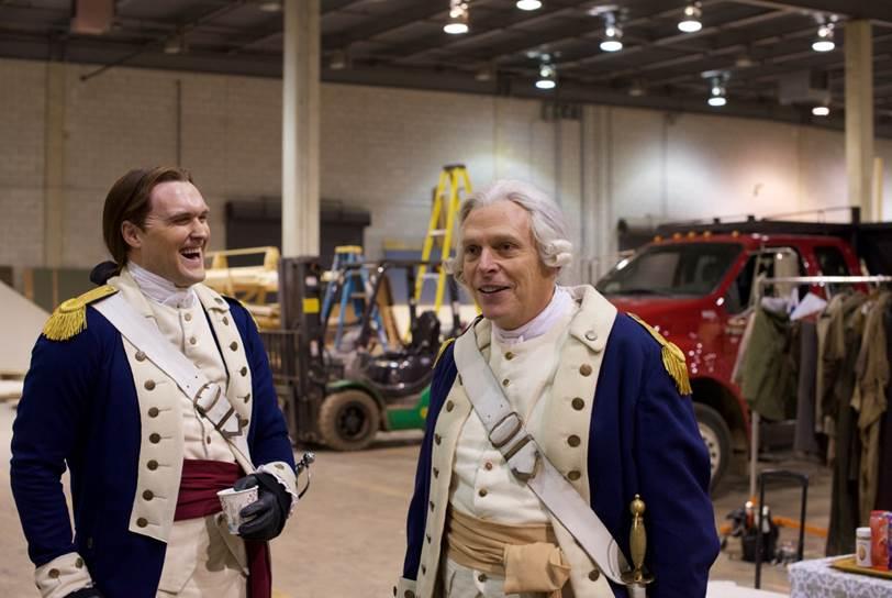 Owain Yeoman and Terry McAuliffe in TURN (2014)
