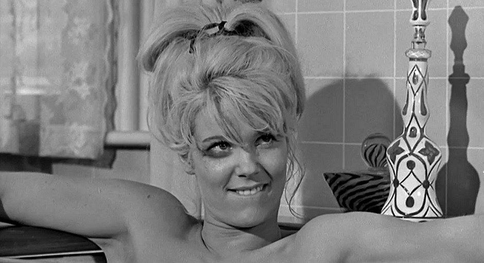 Jennifer Billingsley in Lady in a Cage (1964)