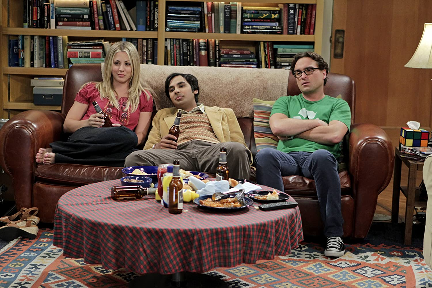 Kaley Cuoco, Johnny Galecki, and Kunal Nayyar in The Big Bang Theory (2007)