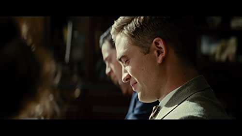 A veterinary student (Robert Pattinson) abandons his studies after his parents are killed and joins a traveling circus as their vet, where he meets animal trainer August (Christoph Waltz) and his wife Marlena (Reese Witherspoon).