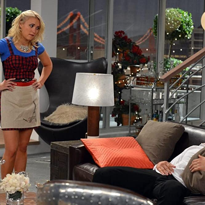 Emily Osment and Jonathan Sadowski in Young & Hungry (2014)