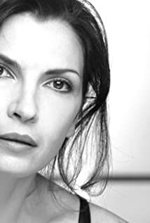Maria Pia Calzone Picture
