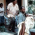 Samuel L. Jackson, RaéVen Kelly, and Tonea Stewart in A Time to Kill (1996)