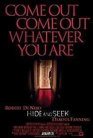 Robert De Niro and Dakota Fanning in Hide and Seek (2005)