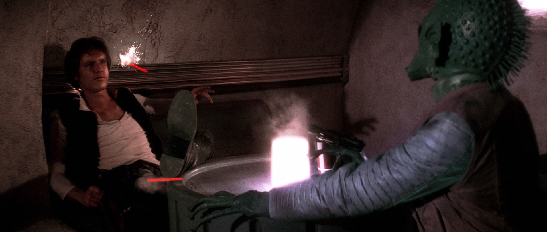 Harrison Ford and Paul Blake in Star Wars (1977)