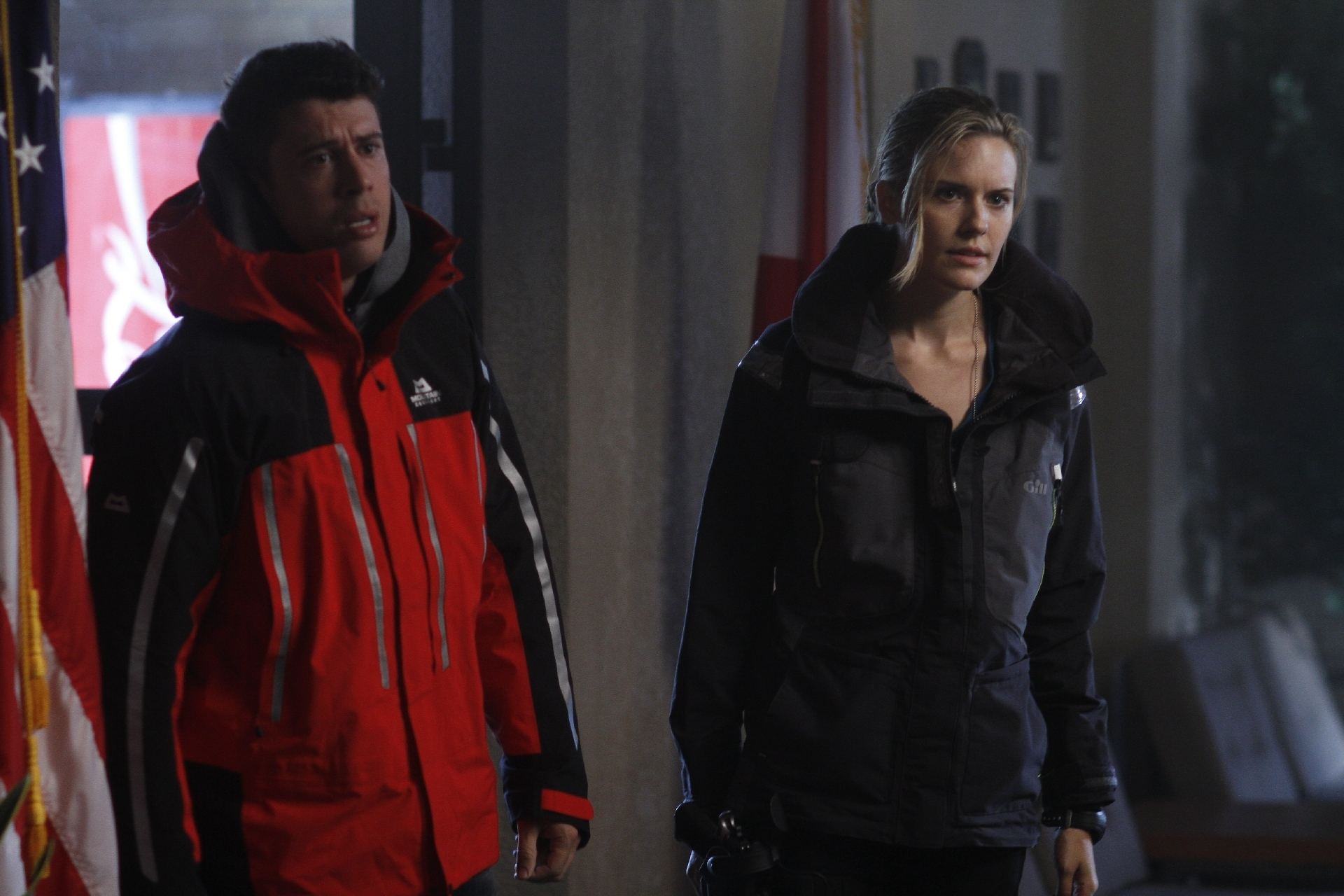 Maggie Grace and Toby Kebbell in The Hurricane Heist (2018)