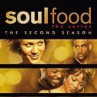 Vanessa Williams, Rockmond Dunbar, Boris Kodjoe, Aaron Meeks, Nicole Ari Parker, and Malinda Williams in Soul Food (2000)