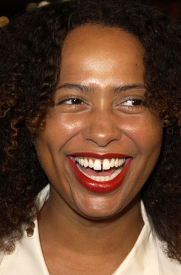 Lisa Nicole Carson at an event for Showtime (2002)