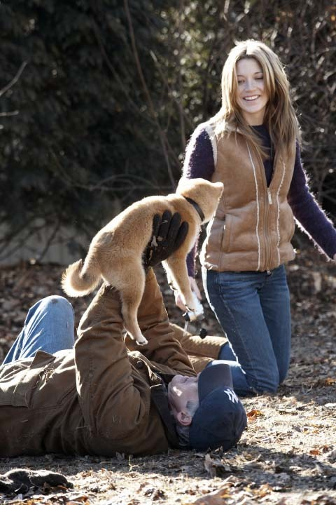 Richard Gere and Sarah Roemer in Hachi: A Dog's Tale (2009)