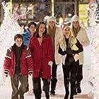 Kristin Davis, Kristin Chenoweth, Alia Shawkat, Dylan Blue, Kelly Aldridge, and Sabrina Aldridge in Deck the Halls (2006)