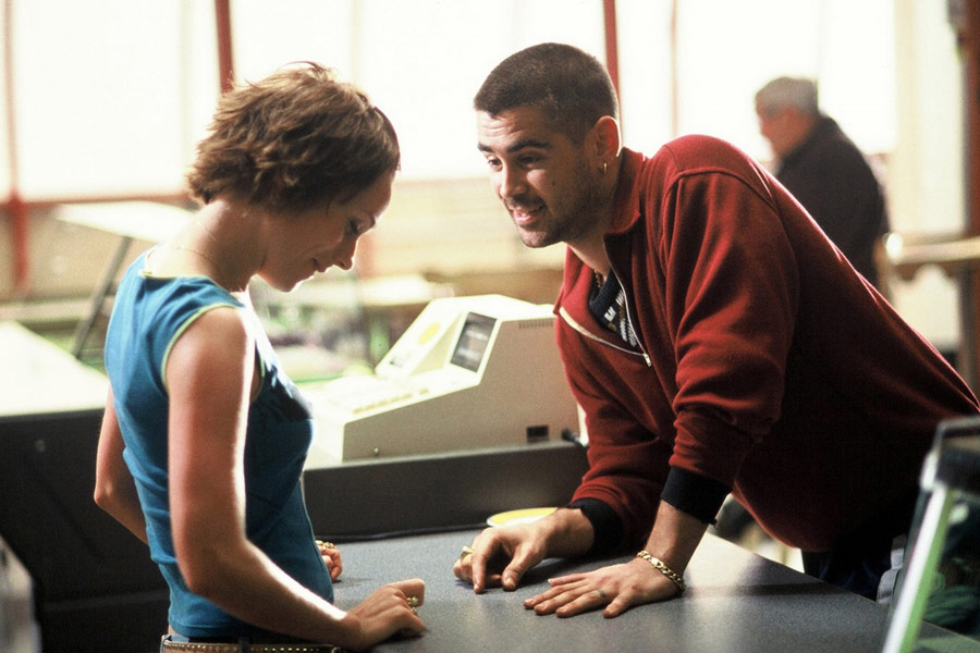 Kerry Condon and Colin Farrell in Intermission (2003)