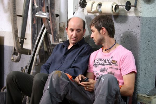 Antonio Albanese and Kim Rossi Stuart in Questione di cuore (2009)