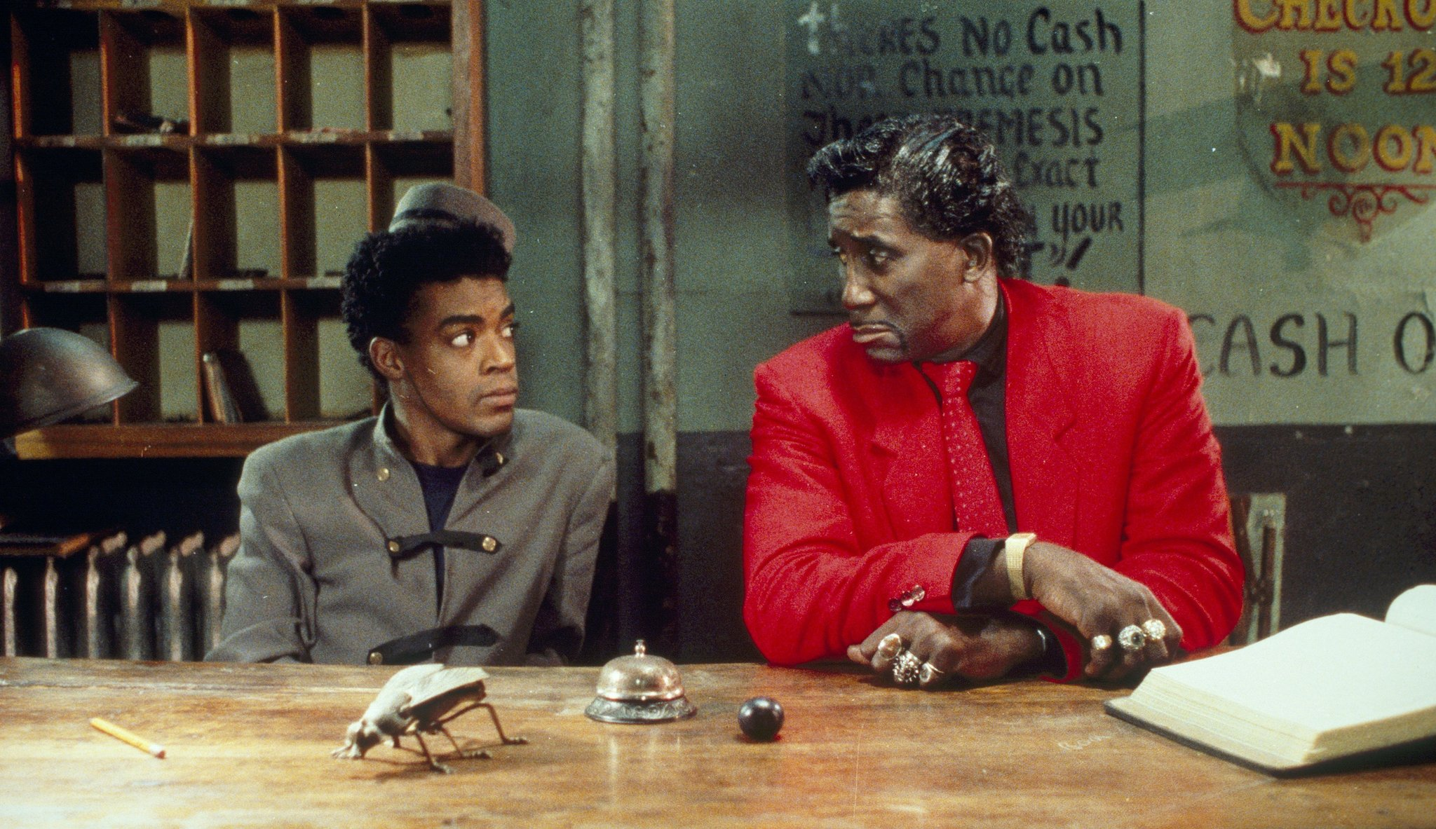 Screamin' Jay Hawkins and Cinqué Lee in Mystery Train (1989)