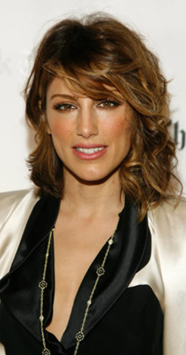 The 48-year old daughter of father Robert Esposito and mother Phyllis Esposito Jennifer Esposito in 2021 photo. Jennifer Esposito earned a  million dollar salary - leaving the net worth at 4 million in 2021