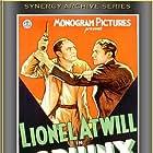 Lionel Atwill and Theodore Newton in The Sphinx (1933)