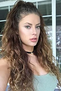 Hannah Stocking photos