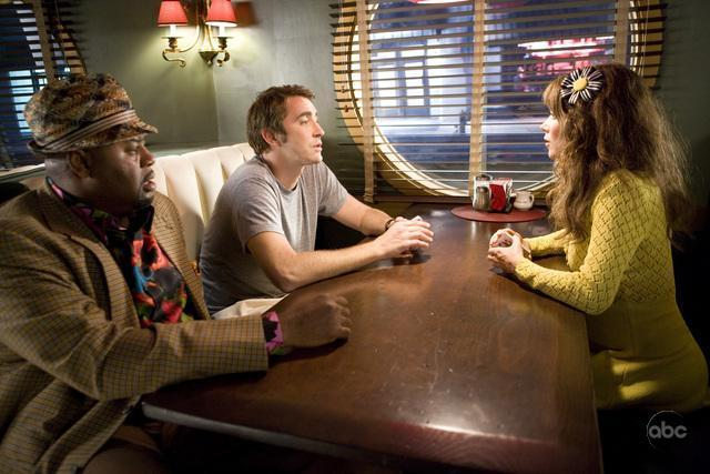 Anna Friel, Chi McBride, and Lee Pace in Pushing Daisies (2007)