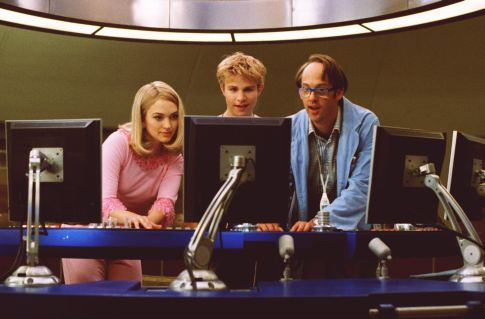 Anthony Edwards, Sophia Myles, and Brady Corbet in Thunderbirds (2004)