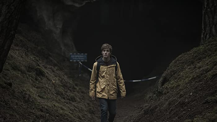 Louis Hofmann in Dark (2017)