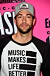 Zachary Levi Swipes at Men's Health Over Comments on His 'Shazam' Physique
