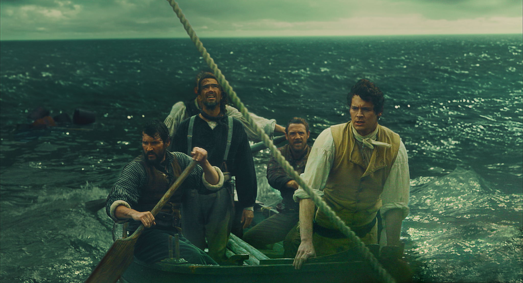 Benjamin Walker and Victor Solé in In the Heart of the Sea (2015)
