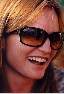 Annie Lukowski Picture