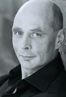 Ben Van Bergen Picture