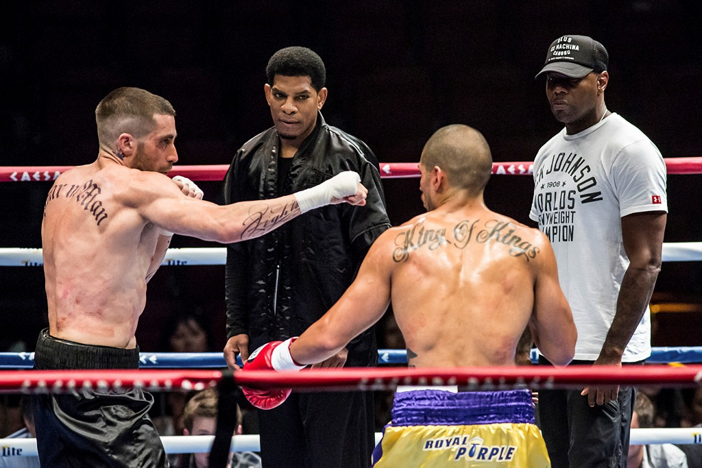 Jake Gyllenhaal and Miguel Gomez in Southpaw (2015)
