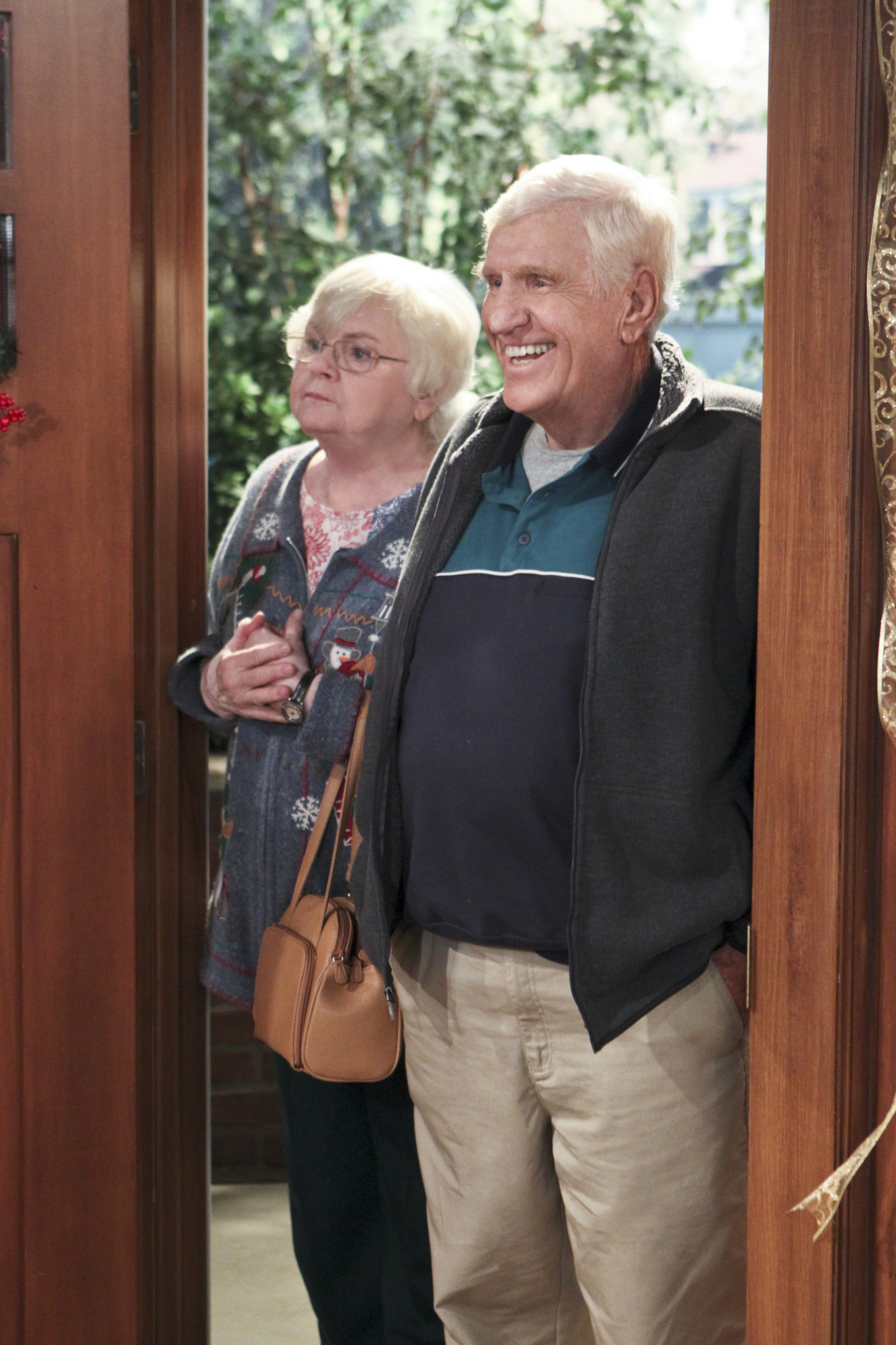 June Squibb and Jerry Van Dyke in The Millers (2013)