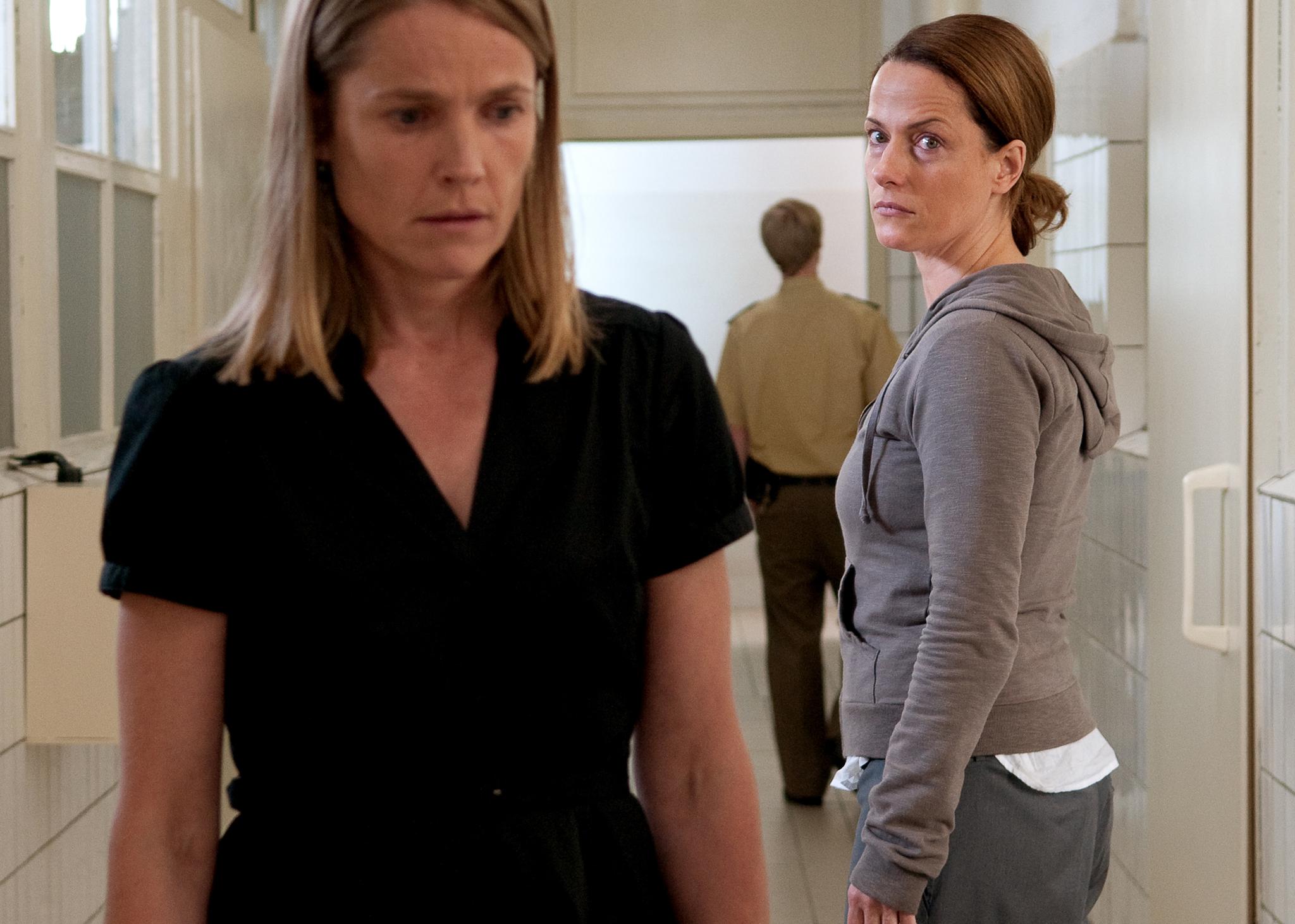 Karoline Eichhorn and Claudia Michelsen in Das letzte Schweigen (2010)