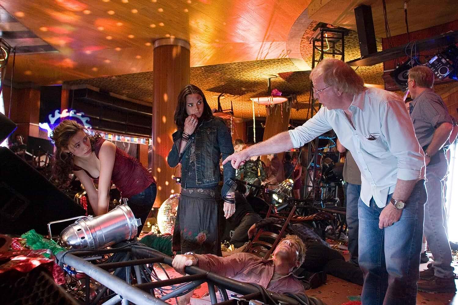 Wolfgang Petersen, Emmy Rossum, Mía Maestro, and Mike Vogel in Poseidon (2006)