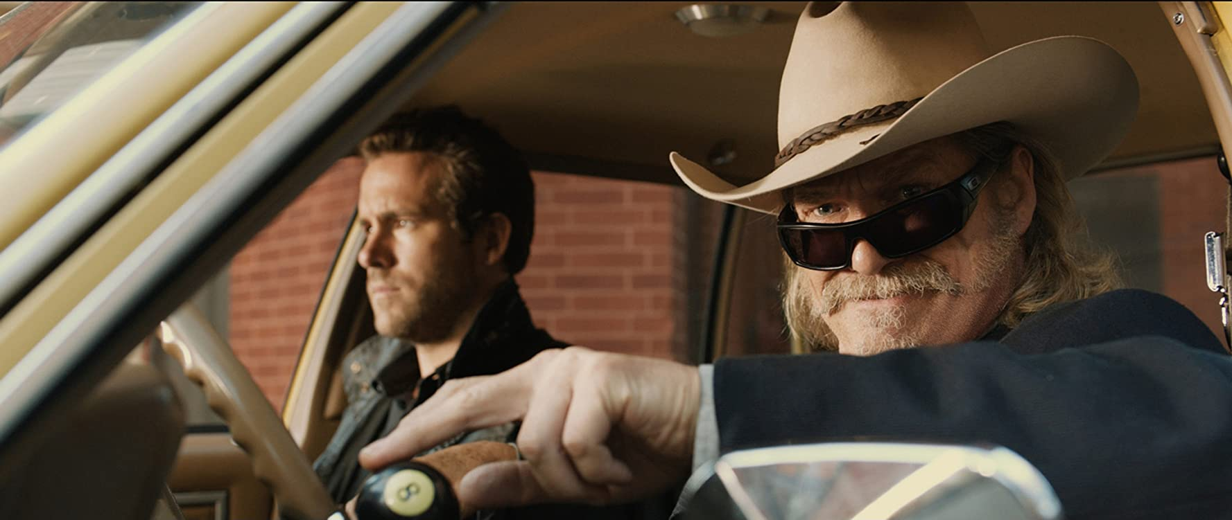 Jeff Bridges and Ryan Reynolds in R.I.P.D. (2013)