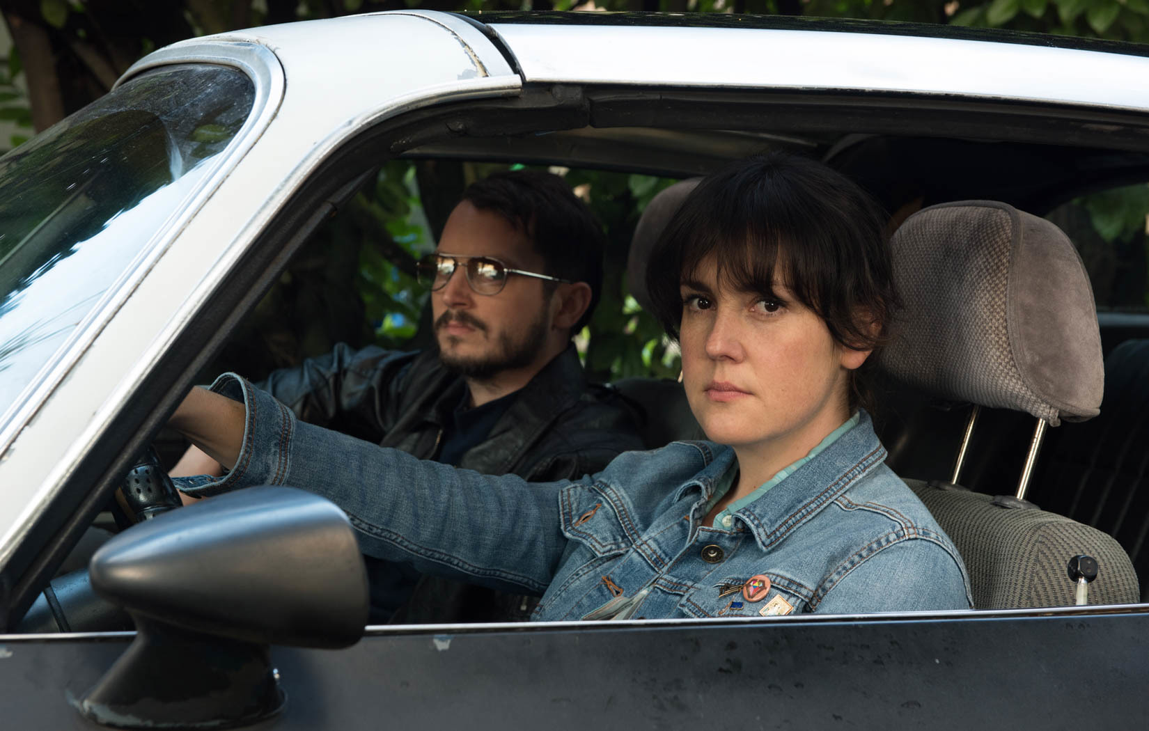Elijah Wood and Melanie Lynskey in I Don't Feel at Home in This World Anymore. (2017)