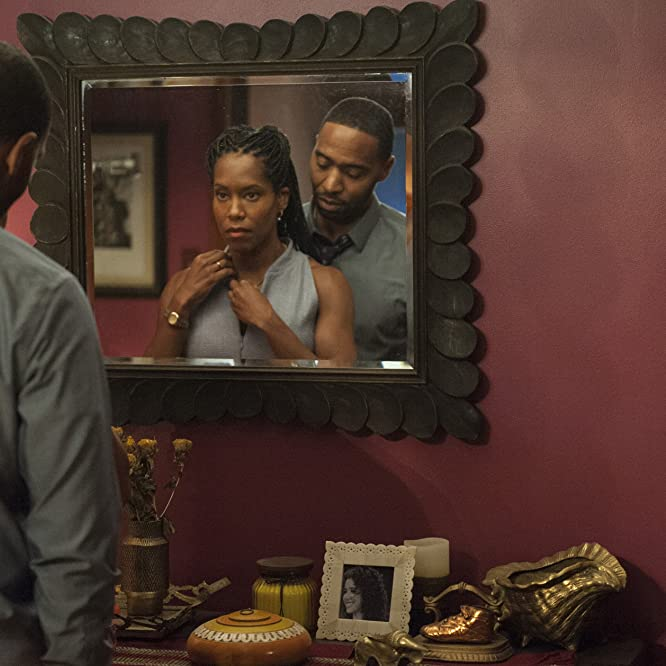 Regina King and Kevin Carroll in The Leftovers (2014)