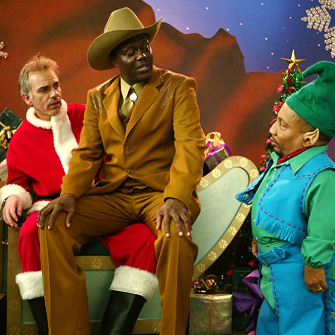 Billy Bob Thornton, Bernie Mac, and Tony Cox in Bad Santa (2003)