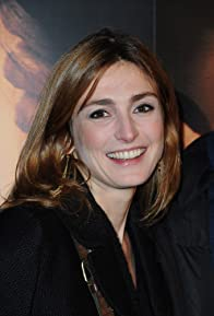 Primary photo for Julie Gayet