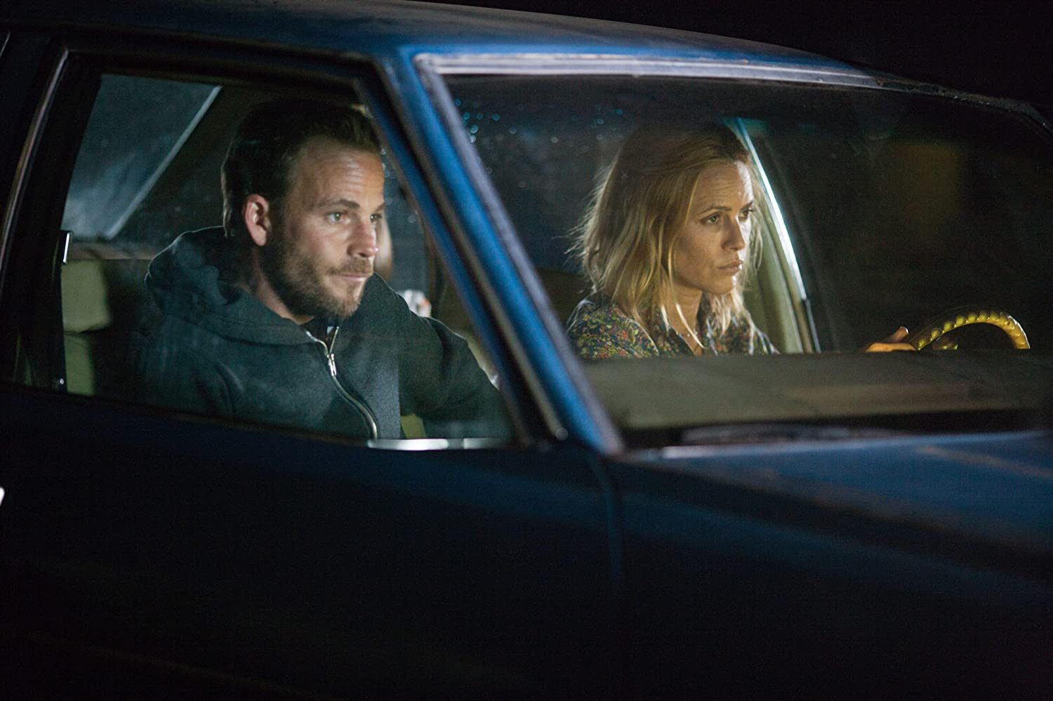 Stephen Dorff and Maria Bello in Carjacked (2011)