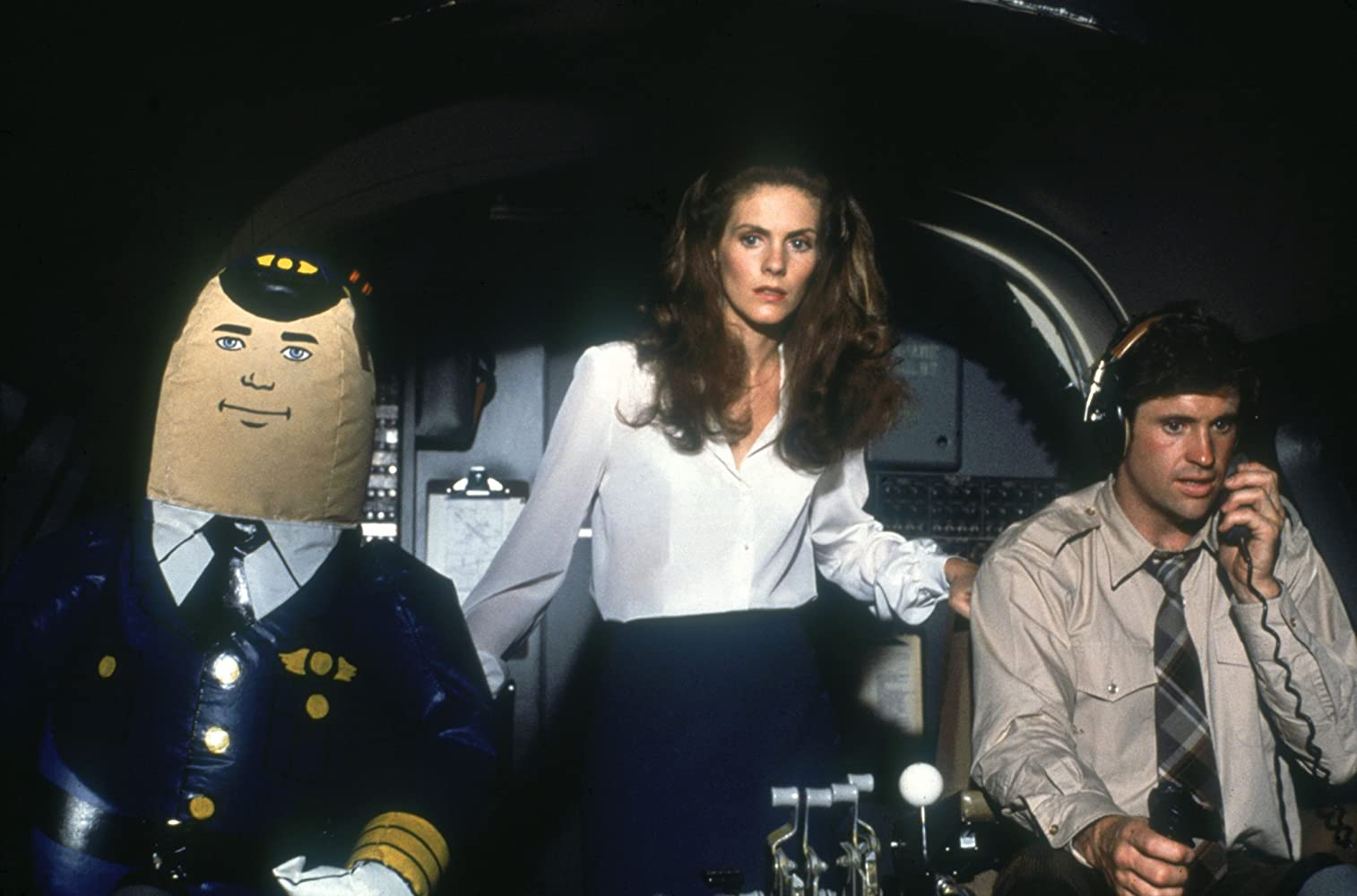 Robert Hays, Julie Hagerty, and Otto in Airplane! (1980)