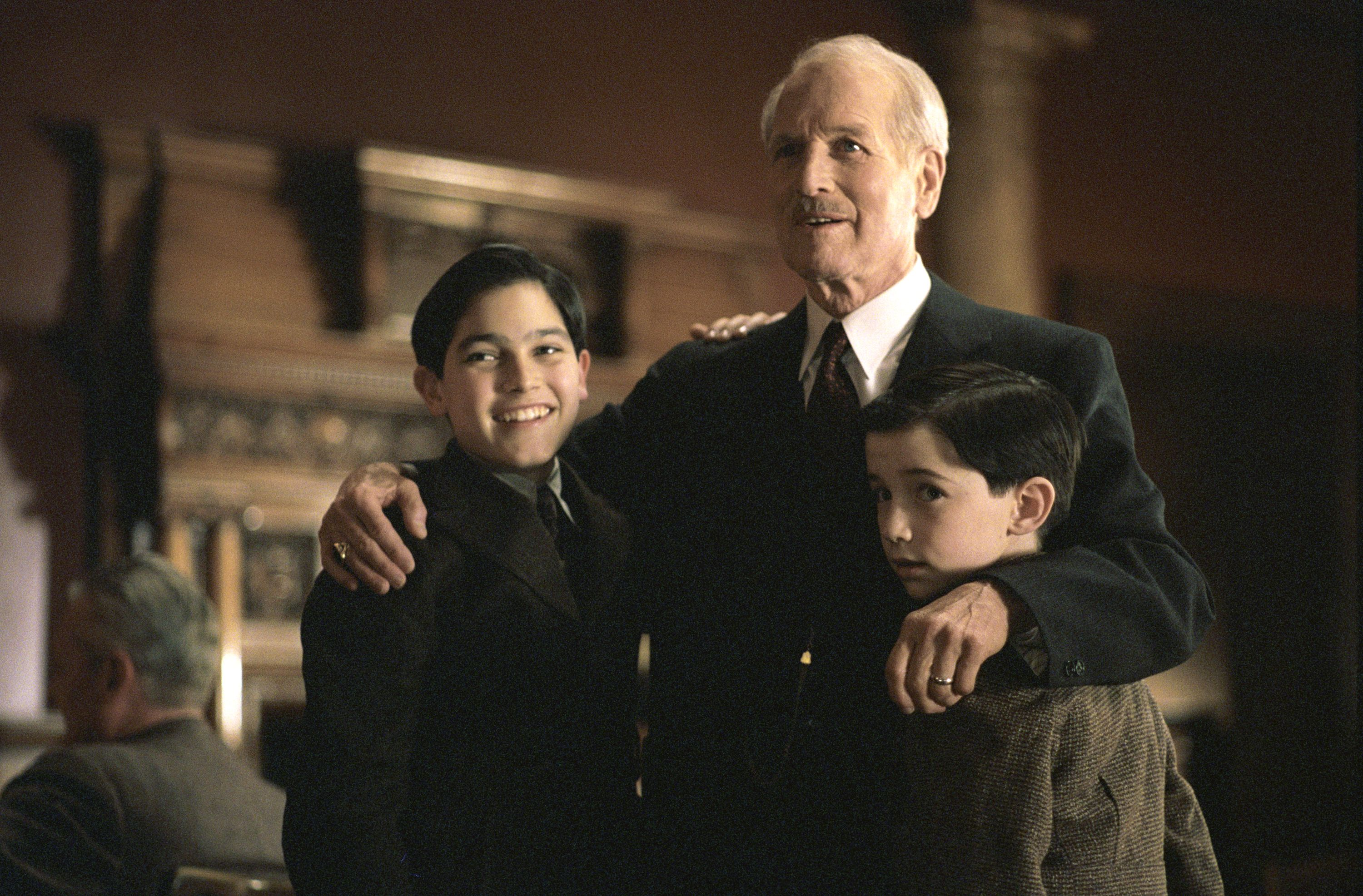 Paul Newman, Liam Aiken, and Tyler Hoechlin in Road to Perdition (2002)