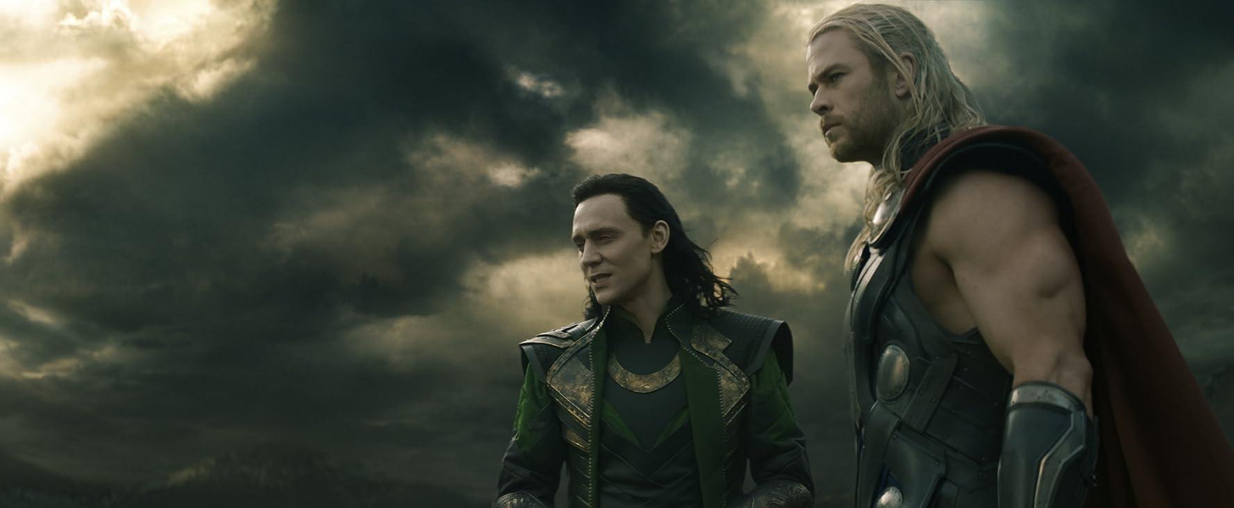 Tom Hiddleston and Chris Hemsworth in Thor: The Dark World (2013)