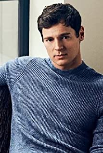 Benjamin Walker Picture