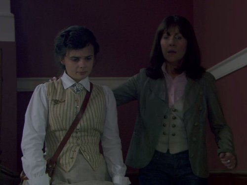 Elisabeth Sladen in The Sarah Jane Adventures (2007)