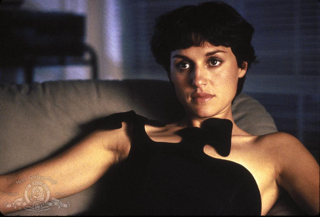 Lisa Zane in Bad Influence (1990)