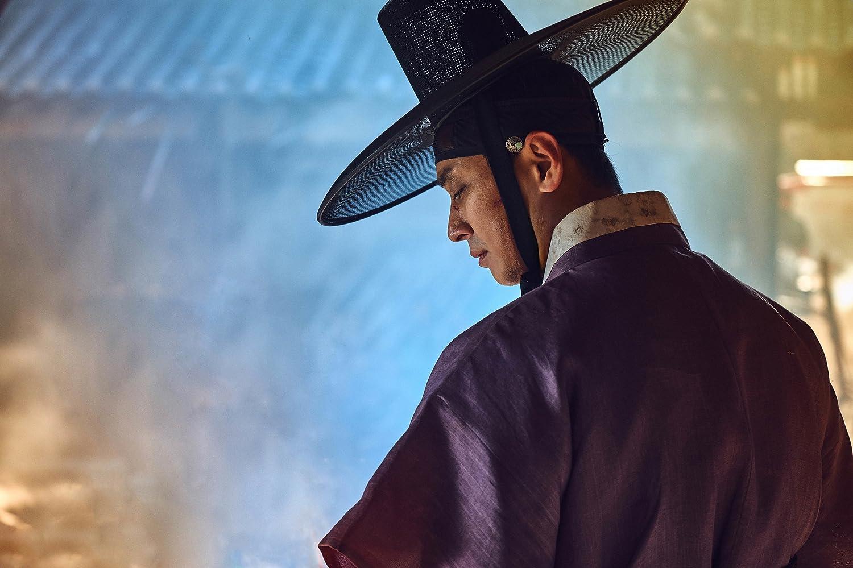 Ji-Hoon Ju in Kingdom (2019)